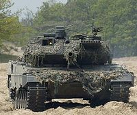 Holland Leopard 2A6 02.jpg