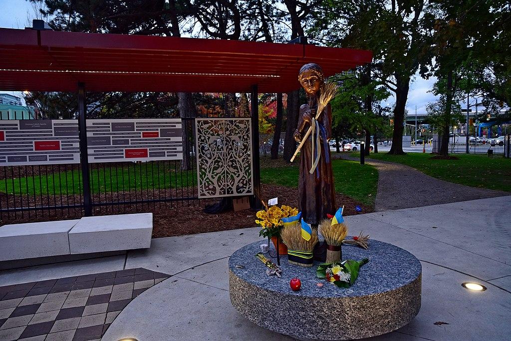 меморіал жертвам Голодомору в Торонто. Автор: Микола Сварник