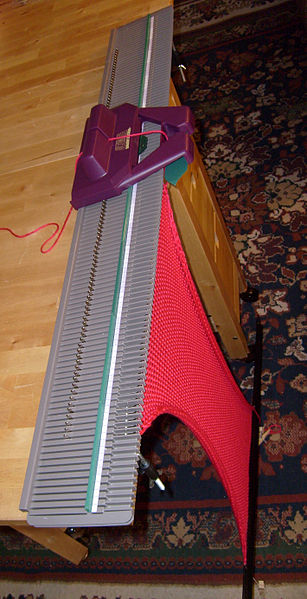 File:Home knitting machine.jpg