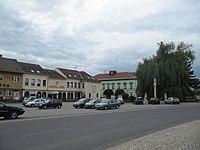 Hrušovany nad Jevišovkou, náměstí.jpg