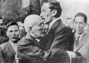 Second Battle of Rellano - Former enemies reconciled. Orozco (right) gives Huerta (left) his support after the general's coup against Madero.