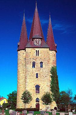 Husaby kyrka.jpg