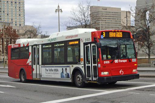 Hybrid bus Ottawa 11 2011 3508