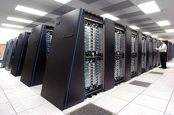 "The IBM Blue Gene/P supercomputer ""Intrepid"" at Argonne National Laboratory runs 164,000 processor cores using normal data center air conditioning, grouped in 40 racks/cabinets connected by a high-speed 3-D torus network. IBM Blue Gene P supercomputer.jpg"