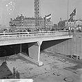 IJ-tunnel in aanbouw, opening viadukt prins Hendrikkade ingang zuid van IJ-tunne, Bestanddeelnr 918-2728.jpg