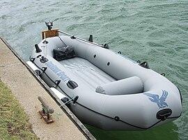 fb2 резиновая лодка краткое содержание