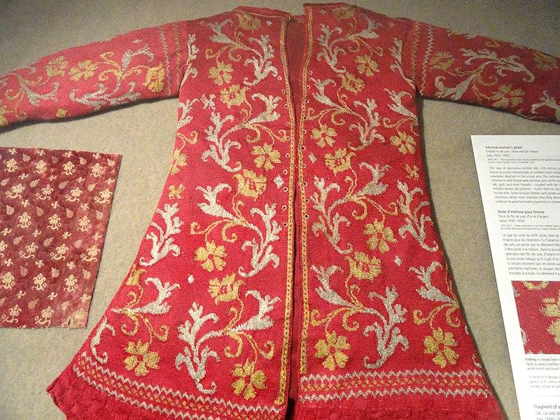 File:Informal woman's jacket, Italy, 1630-1650, knitted silk yarn - Patricia Harris Gallery of Textiles & Costume, Royal Ontario Museum - DSC09364.JPG