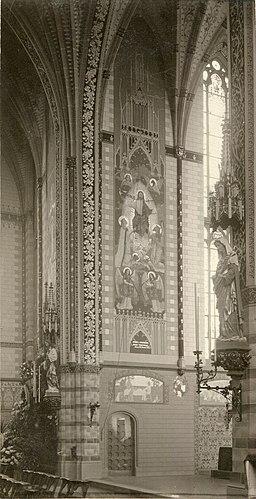 Interieur Sint-Willibrorduskerk Deurne-centrum priesterkoor noodzijde 1901.jpg