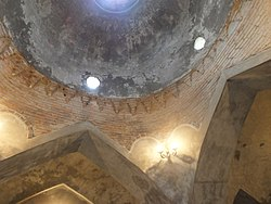 Interior of the Domed bath in Guba 03.jpg