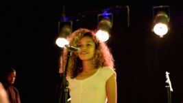 Izzy Bizu performing at London Fields Brewery, September 2015.png
