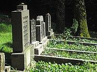 Jüdischer Friedhof Schwelm - Gräberreihe 1930er.jpg