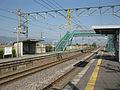 JRKyushu-Nagasaki-main-line-Igaya-station-platform-20091031.jpg