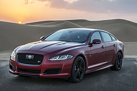 Jaguar XJ vs. Jetman - World-First Desert Drag Race (22928441043) (cropped).jpg