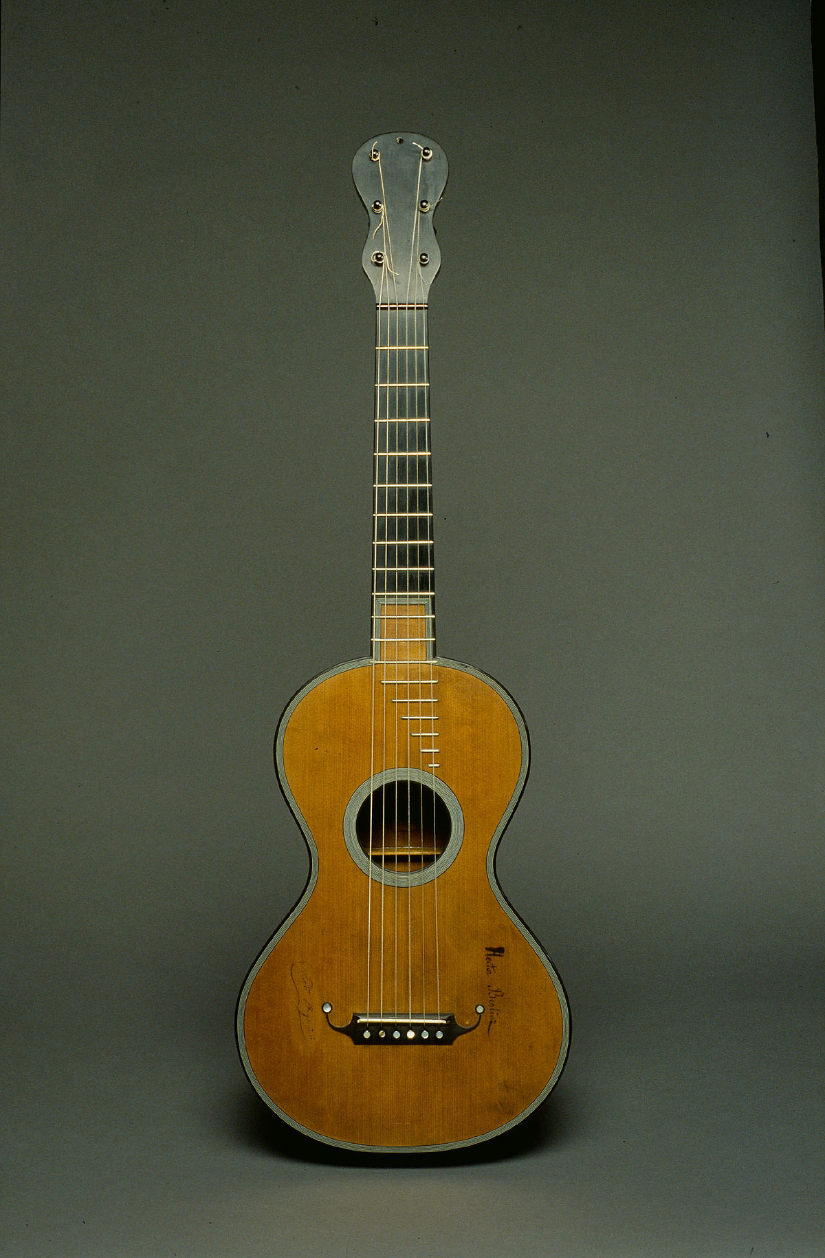 Classical guitar making - Wikipedia
