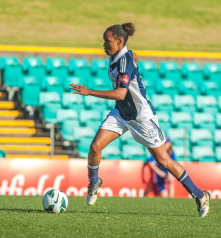 McDonald playing for Melbourne Victory in 2012 Jessica McDonald.jpg