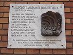 Jesuit plaque with relief by Katalin Miletics, 2009. - Mária St, Budapest District VIII.JPG
