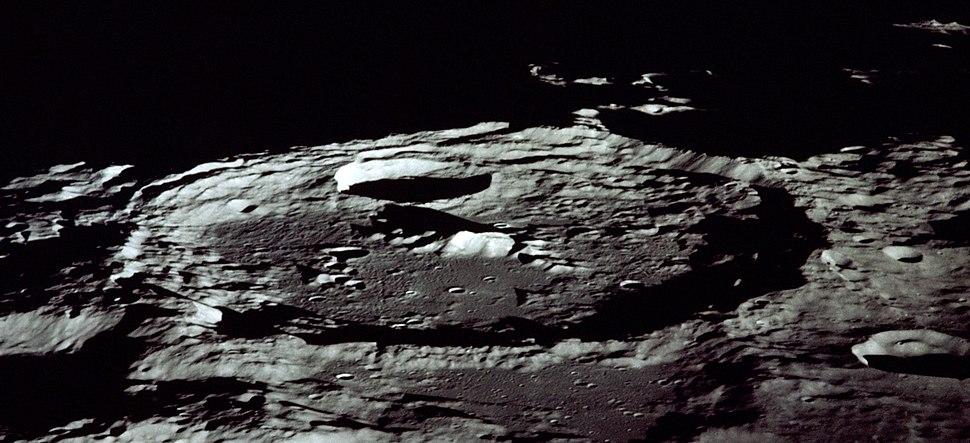 Keeler crater AS13-60-8635