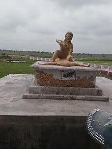 Socha Bhima zabíjení Kichaka v Kichakbadh poblíž Prithivinagar v Nepálu