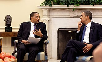 Tanzania–United States relations - US President Barack Obama meeting his Tanzanian counterpart Jakaya Kikwete in the Oval office in May 2009.