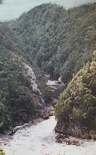 King River (Tasmania) - King River gorge lower west end, from Abt Railway looking east