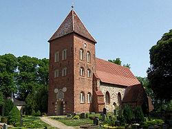 Kirche in Zittow.JPG