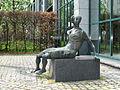 Klaus Backmund - Sitzende Frau.jpg