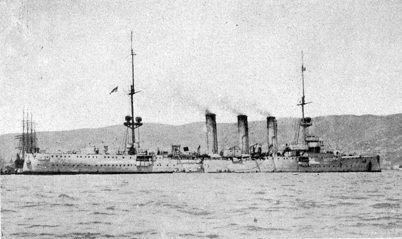 File:Kleiner Kreuzer SMS DRESDEN in Valparaiso, Chile, 13. November 1914.jpg