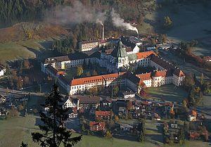 Kloster Ettal von oben.jpg