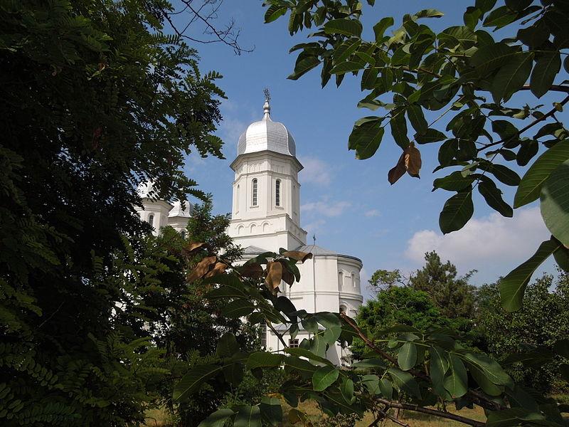 File:Kloster Saon.JPG