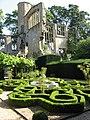 Knot Garden, Sudeley Castle. - panoramio.jpg