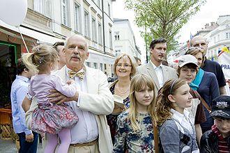 Janusz Korwin-Mikke - Janusz Korwin-Mikke in 2010 with his family and second wife, Małgorzata Szmit