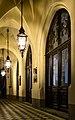 Krakow- Collegium Novum -przed wejsciem glownym 02.jpg