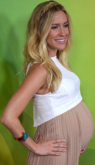 Kristin Cavallari - Cavallari pregnant with her second child in April 2014