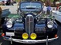 LaSalle 1940 Sedan Front.jpg