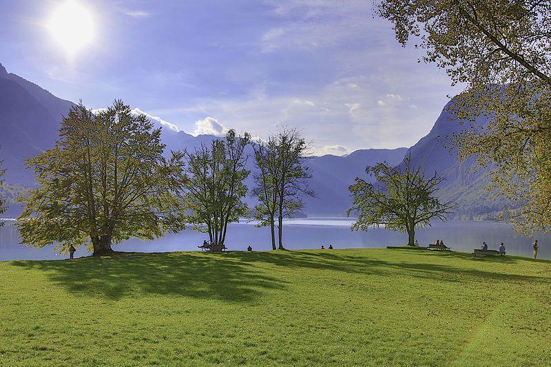 File:Lake Bohinj-2246465.jpg