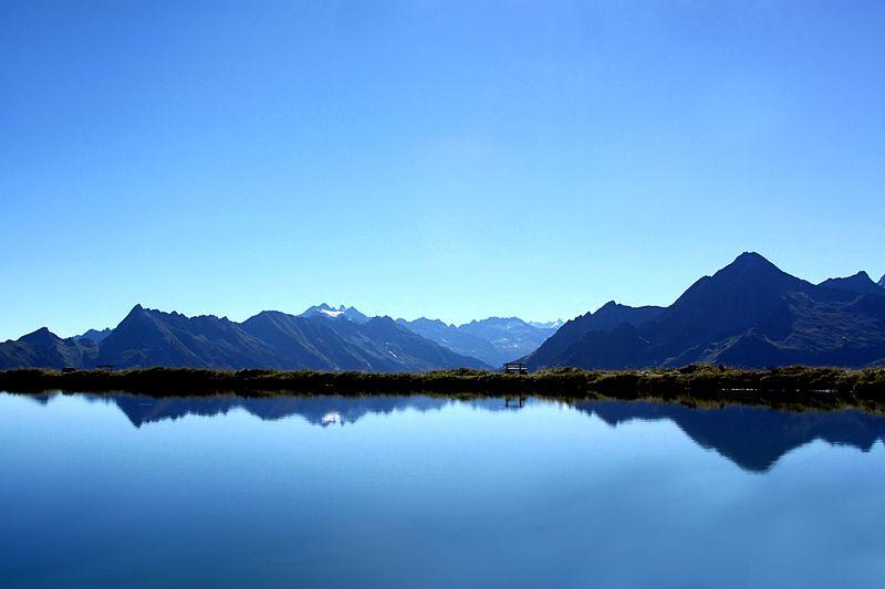 File:Lake in the Alps.jpg