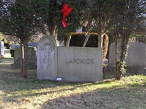 Joe Lapchick - The grave of Joe Lapchick in Oakland Cemetery in Yonkers, NY