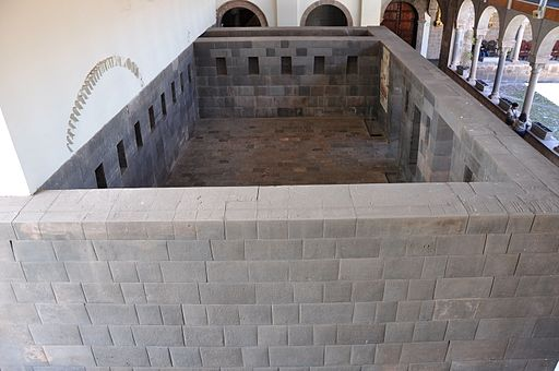 Lascar One of the original rooms of The Temple of Coricancha (Cuzco) (4578206370)