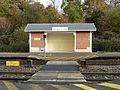 Le Vigen gare abri.JPG