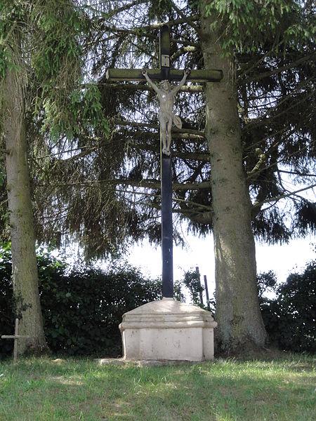 Les Autels (Aisne) croix de chemin