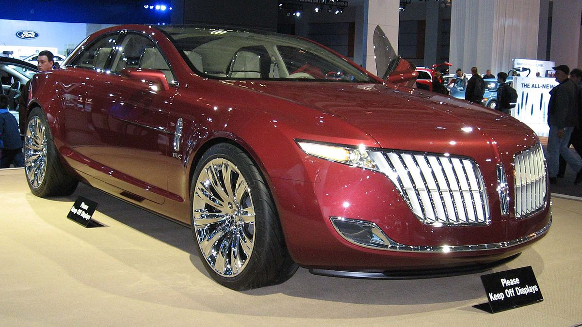 https://upload.wikimedia.org/wikipedia/commons/thumb/d/d3/Lincoln-MKR-concept-DC.jpg/1200px-Lincoln-MKR-concept-DC.jpg