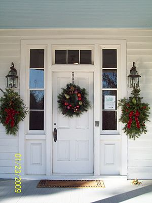 Linden (Prince Frederick, Maryland) - Image: Linden Door Detail Dec 08