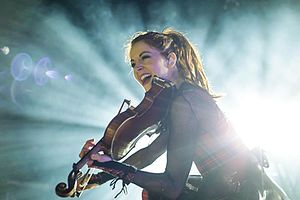 Lindsey Stirling Warmer In The Winter Tour All Christmas Music