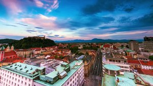File:Ljubljana Time-lapse - Pogačar Square, Tivoli, Čopova, Nebotičnik view.webm