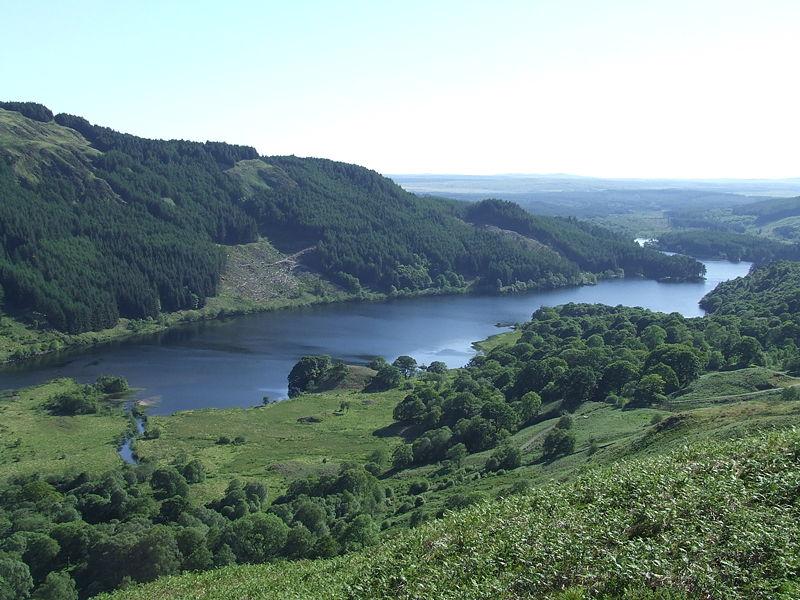File:Loch Trool 31May2008.JPG