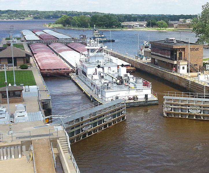 File:Lock and dam Upper Mississippi.jpg