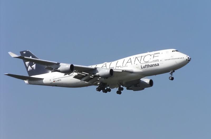 File:Lufthansa B747-400 D-ABTH.jpg