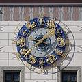 München, altes Rathaus, Uhr mit Zunftzeichen 1.jpeg