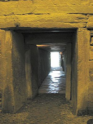 English: Maes Howe entrance passage. This is t...