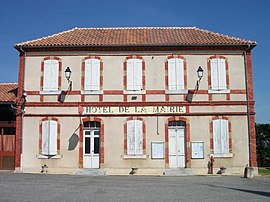 The town hall of Estampures
